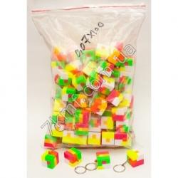 брелки разноцветный квадрат (100 шт.в уп)